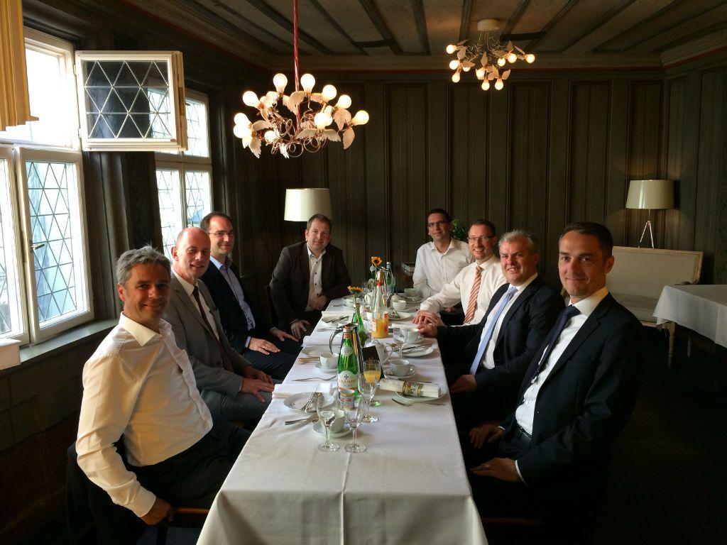 Business-Frühstück-mit-Wirtschaftsminister-Wolfgang-Tiefensee